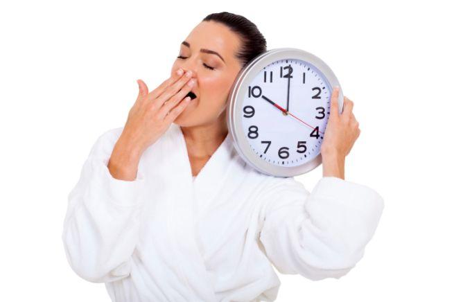 Svegliarsi tardi la mattina può farti ingrassare
