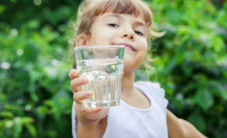 connessione tra acqua e dimagrimento - La chiave per restare in forma? Bere tanta acqua